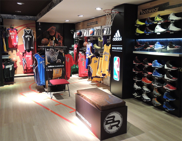 Basket Revolution Area Adidas 1
