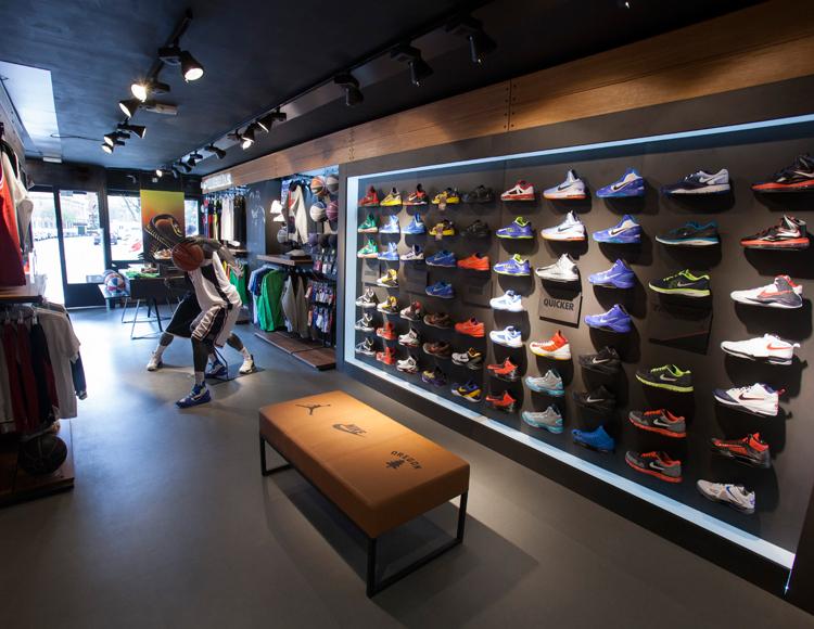 Basket Revolution Area Nike 2