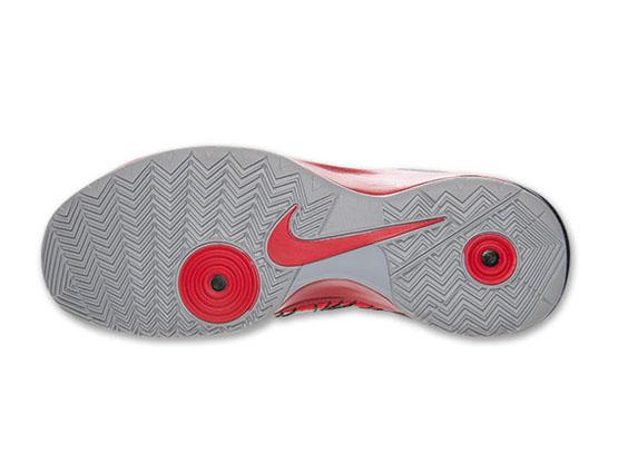 Nike-Hyperdunk-2013-599537-600(5)