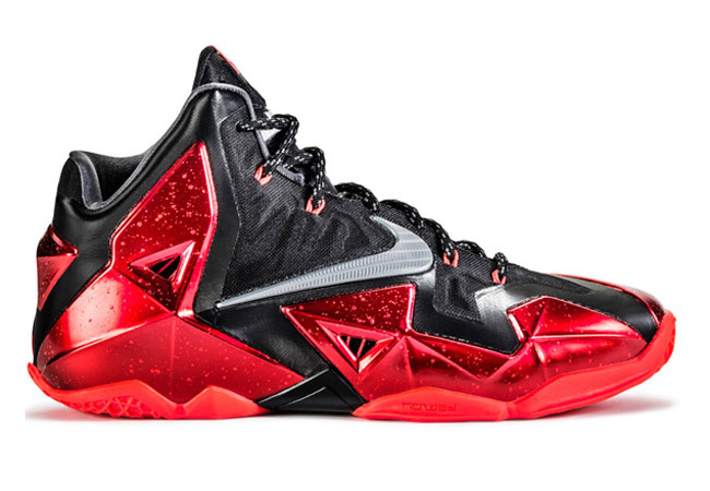 NIKE-LEBRON-11-AWAY-616175-001(1)