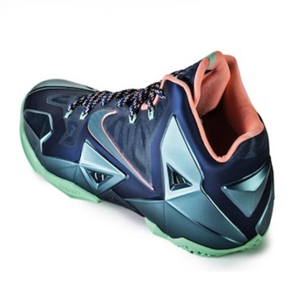 Nike-Lebron-XI-Miami-Vs-Akron-616175-400(33)