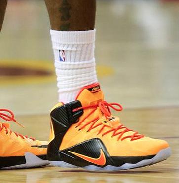 Nike Lebron XII 'Cleveland'