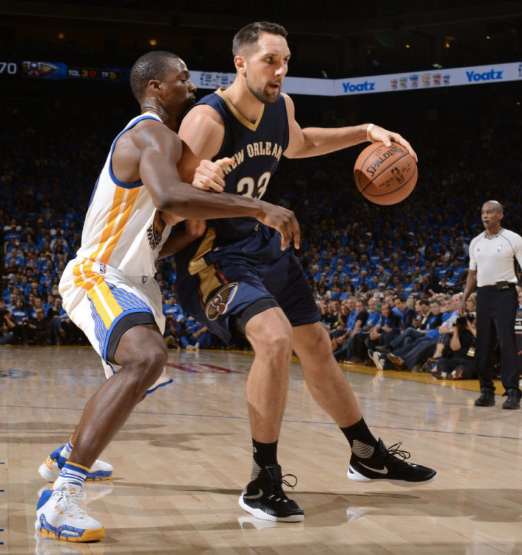 Adidas Crazyquick 3 (Harrison Barnes) Nike HyperChase (Ryan Anderson)