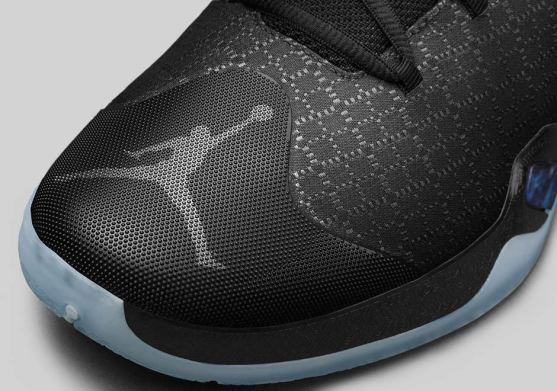 air-jordan-xxx-30-black-cat-3