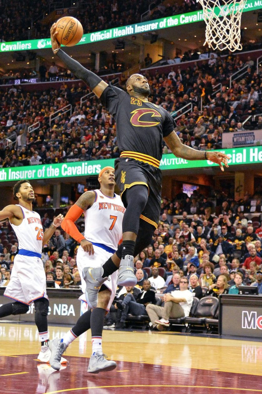 lebron-james-cleveland-soldier-dunk.jpg