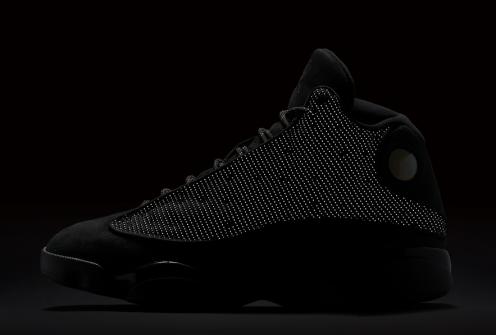 black-cat-air-jordan-13-official-look-2