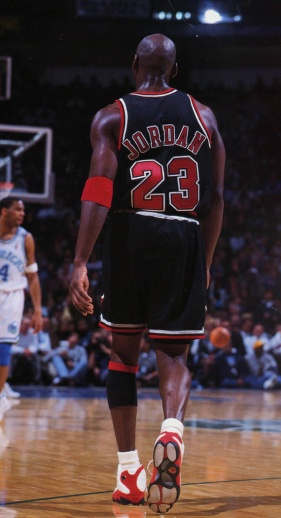 michael-jordan-through-the-years-air-jordan-xiii-bulls-01