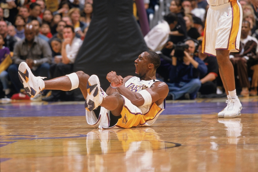 Kobe Bryant reacts to the play