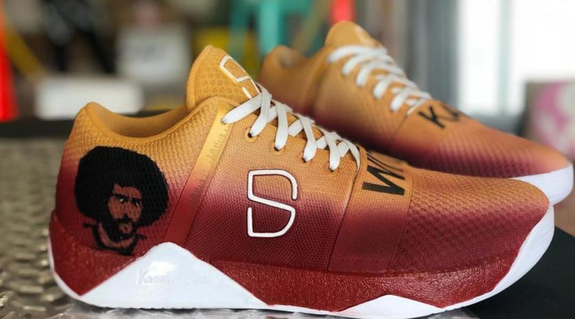 dinwiddie_kaepernick_shoe